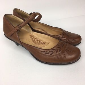 SOFFT Leather Mary Jane Women's Heels Sz 7